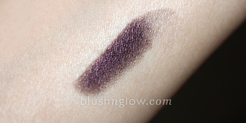 Urban Decay 24/7- Eyeliner in Rockstar Swatch
