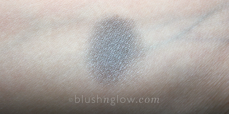 Burberry Pearl Grey eyeshadow swatch