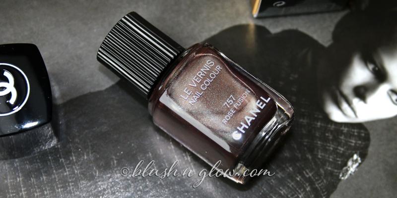 Chanel Rose Fusion Nail Polish