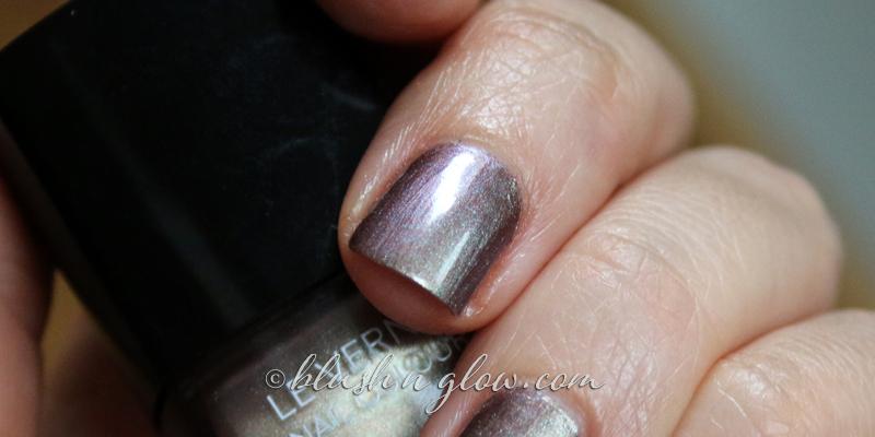 Chanel Rose Fusion Nail Polish swatch